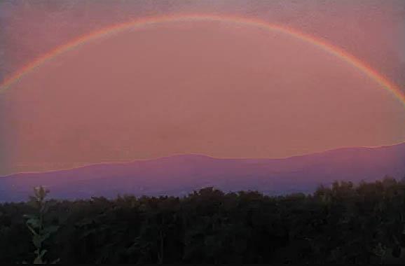夕焼けあとの虹